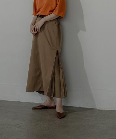 サイドタックロングスカート